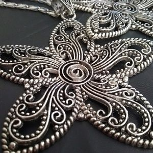 Jewelry - New Big Magnificent Star Ancient Flower Necklace